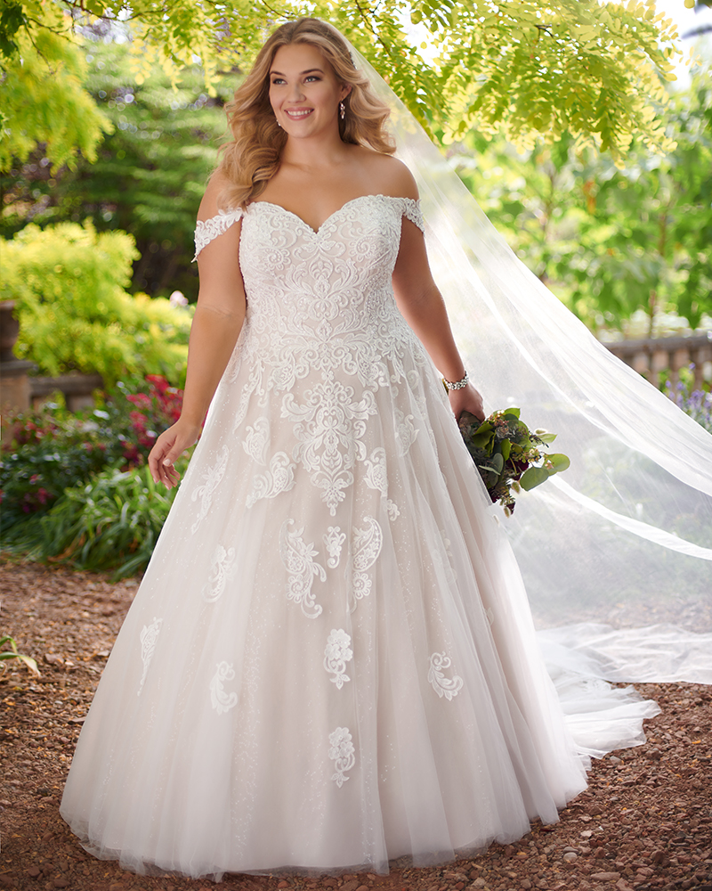 fb627a772db Essense of Australia Plus Size · Essense of Australia Wedding Dress